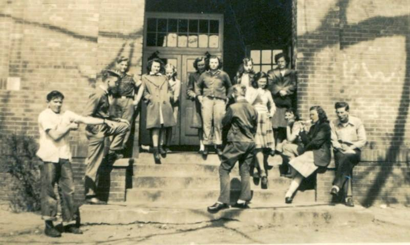 FHS 1948 Kids hanging around side entrance