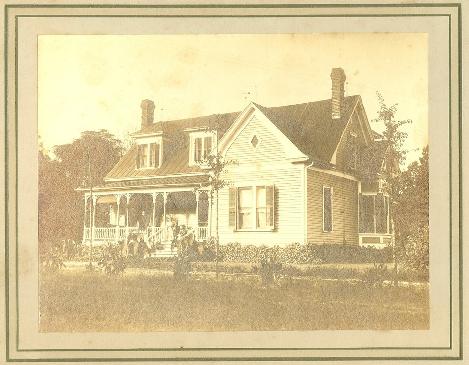 John_and_Henry_Hoey_House_1900's