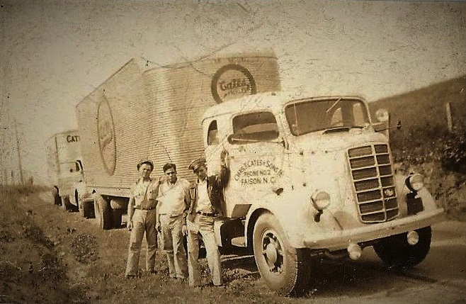 1930s Cates Pickle Truck and drivers